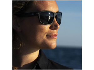 Solglasögon & kepshållare
